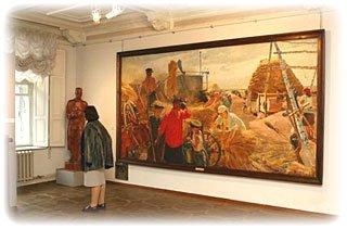 галерея картин в Киевском музее русского искусства