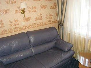 Зняти номер в готелі на ніч
