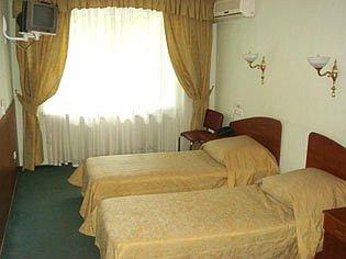 Готелі Києва недорогі біля залізничного